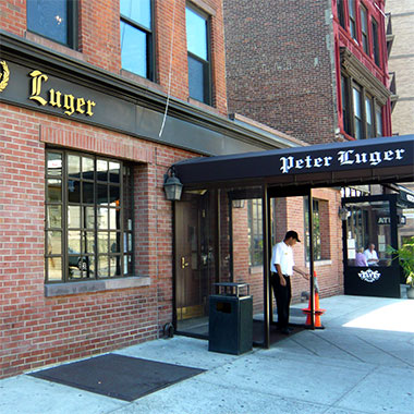 De ultieme New York Steak: Peter Luger Steakhouse